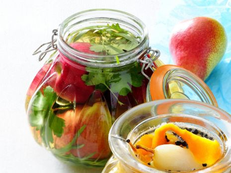 Przepis: Marynowane jabłka i gruszki