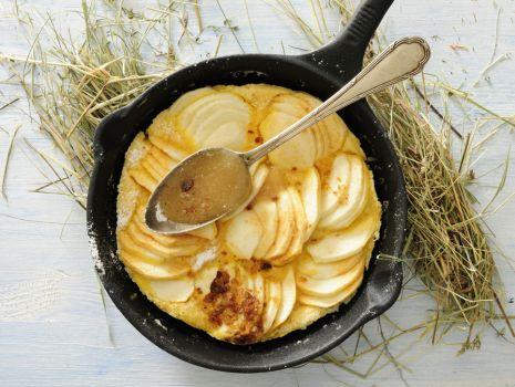 Przepis: Szybki placek jabłkowy z patelni