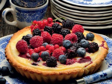Przepis: Tarta z owocami leśnymi