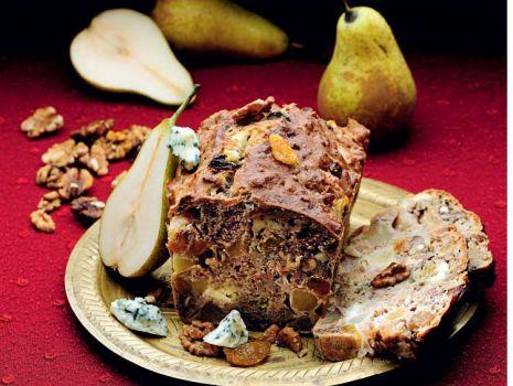 Przepis: Keks z serem bleu i gruszkami
