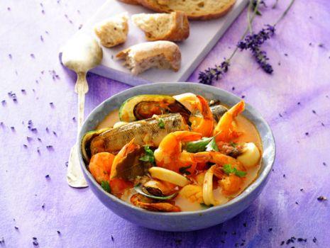Przepis: Bouillabaisse - zupa rybna