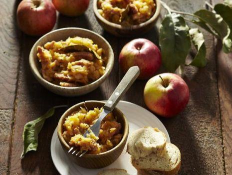 Przepis: Wyborny bigos ze słodkich jabłek