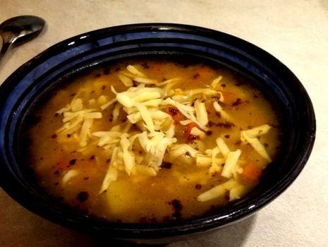 Przepis: Warzywna zupa z kurczakiem i soczewicą
