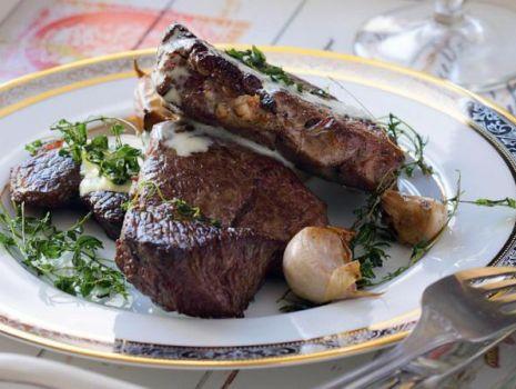 Przepis: Chateaubriand z sosem bearneńskim