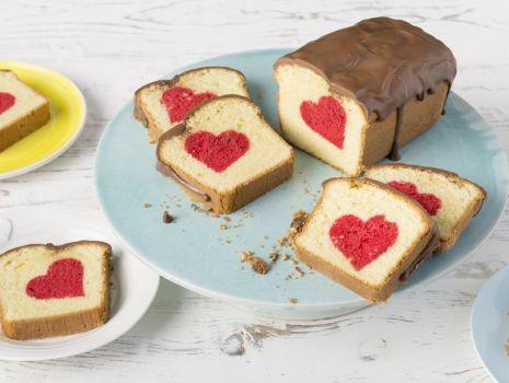 Przepis: Ciasto z ukrytym sercem