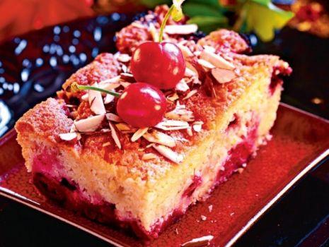 Przepis: Ciasto wiśniowe z migdałami