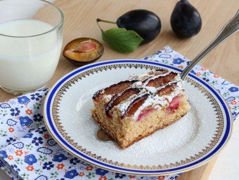 Przepis: Ciasto ze śliwkami - drożdżowe z kokosem