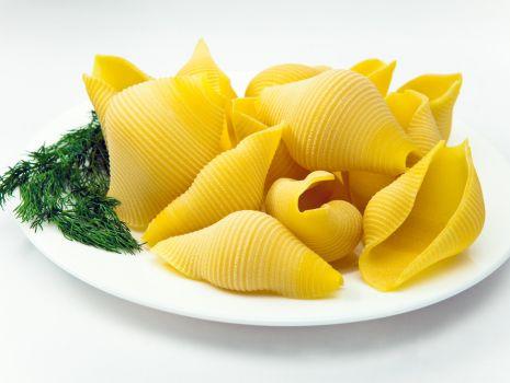 Przepis: Conchiglioni faszerowane z pesto
