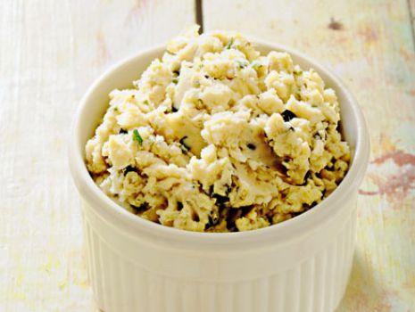 Przepis: Pasta fasolowa z oliwkami