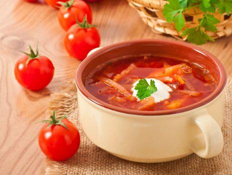 Przepis: Zupa z pomidorami i winem