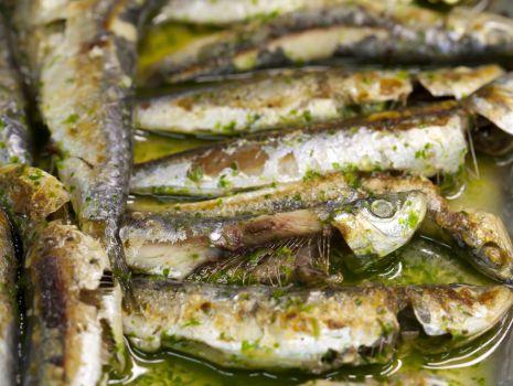 Przepis: Sardinhas assadas – pieczone sardynki