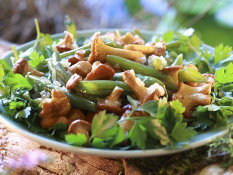 Przepis: Fasolka szparagowa z kurkami