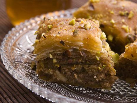 Przepis: Baklawa – deser orzechowy w cieście filo