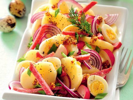 Przepis: Sałatka ziemniaczana z salami