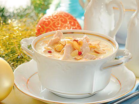 Przepis: Zupa migdałowa z kurczakiem