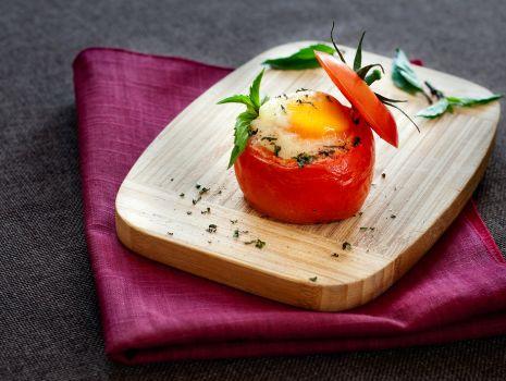 Przepis: Pomidory z jajkiem