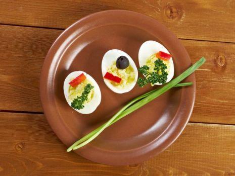Przepis: Jajka z pastami