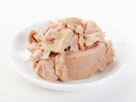 Przepis: Sałatka z tuńczykiem