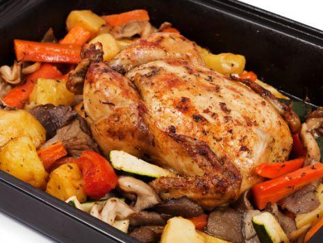 Przepis: Kurczak pieczony w warzywach