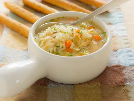 Przepis: Zupa z kurczaka z warzywami