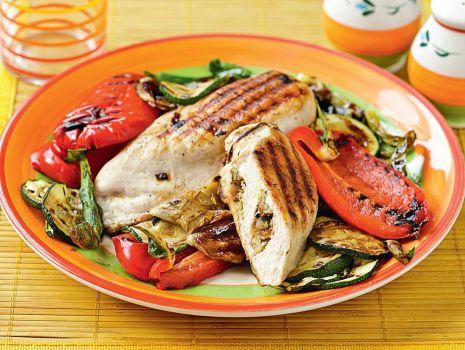 Przepis: Pierś kurczaka nadziewana warzywami
