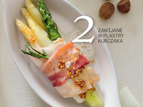 Przepis: Szparagi w plastrach kurczaka