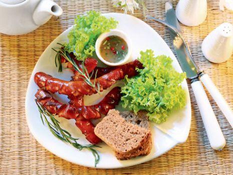 Przepis: Kiełbasa w sosie pomidorowym