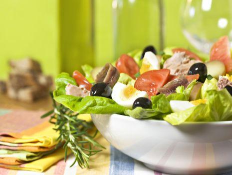 Przepis: Sałatka nicejska z anchois