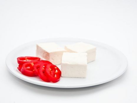 Przepis: Pieczeń z mielonego mięsa z fetą i sezamem