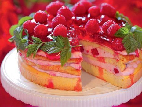 Przepis: Tort malinowy