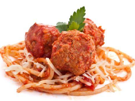 Przepis: Spaghetti z pulpetami w sosie pomidorowym