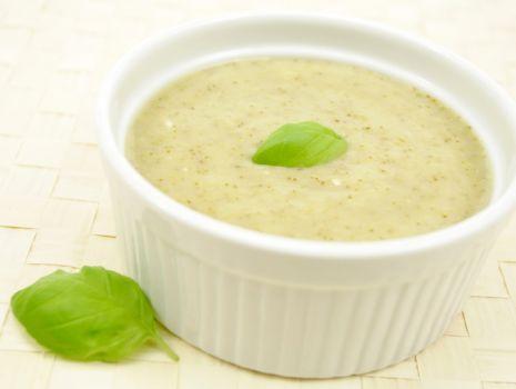 Przepis: Zupa wiosenna z cukinią