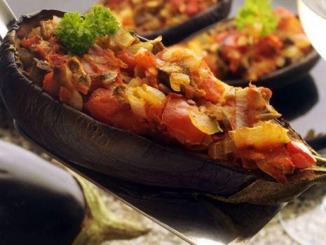 Przepis: Bakłażan zapiekany pod kozim serem