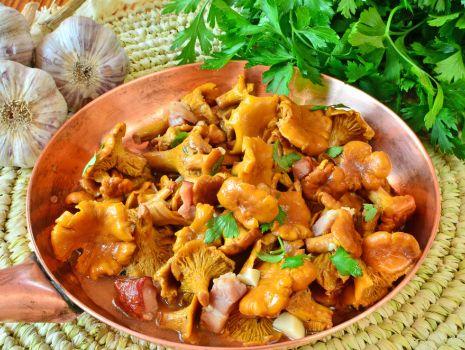 Przepis: Kurki z boczkiem i purée ziemniaczanym
