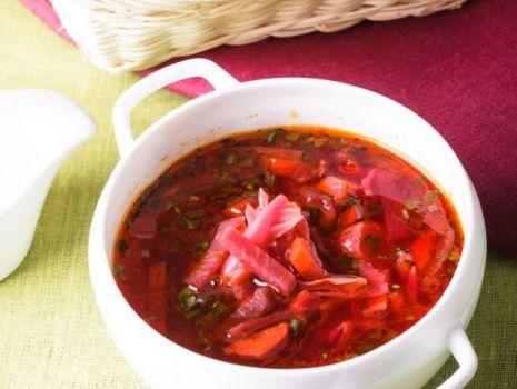 Przepis: Zupa buraczkowa z kluskami