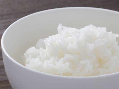 Przepis: Sałatka ryżowa z pieczarkami