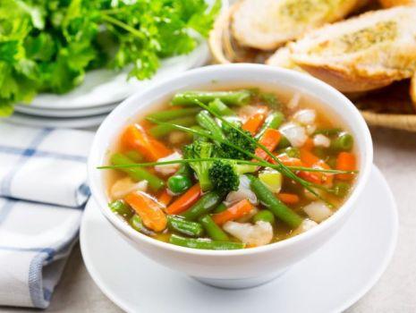 Przepis: Zupa jarzynowa z fasolą
