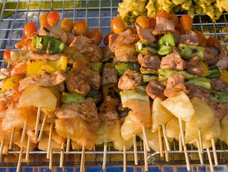 Przepis: Szaszłyki wieprzowe z ananasem