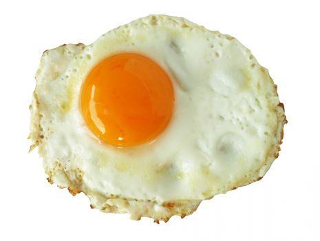Przepis: Rybne z sadzonym jajkiem