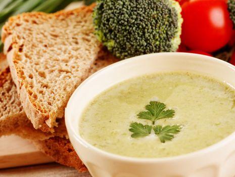 Przepis: Zupa brokułowa z klopsikami