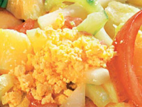 Przepis: Sałatka warzywno-owocowa