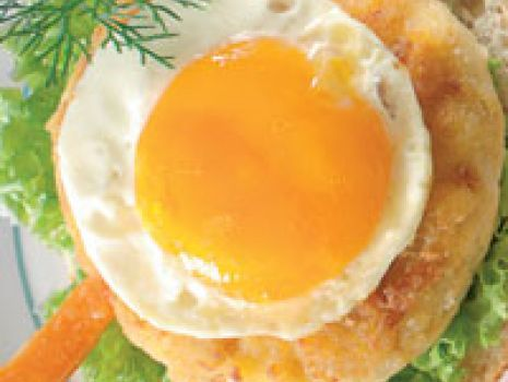 Przepis: Hamburger rybny z jajkiem