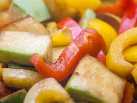 Przepis: Wołowina duszona z warzywami