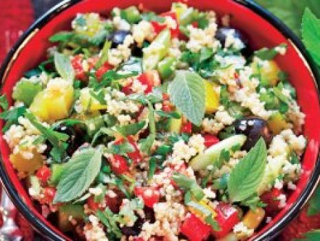 Przepis: Sałatka warzywna z kuskusem