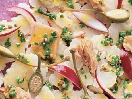 Przepis: Sałatka kalafiarowa z tuńczykiem
