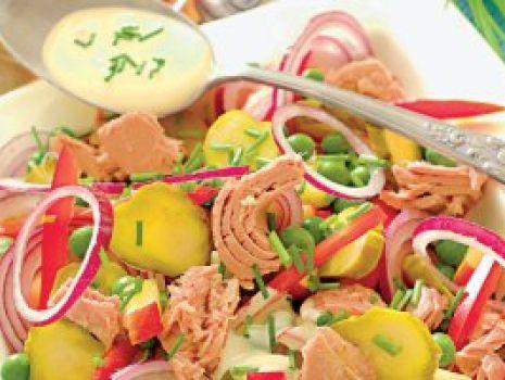 Przepis: Sałatka z tuńczykiem i jabłkiem