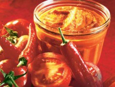 Przepis: Pikantny sos warzywny