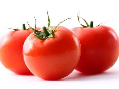 Przepis: Pomidory z makaronowym nadzieniem