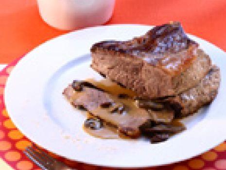 Przepis: Pieczeń wołowa w sosie grzybowym