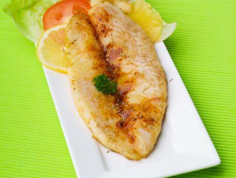Przepis: Ryba w kapustce a la bachus